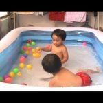 Бассейн для ребенка до года: стоит ли рисковать?